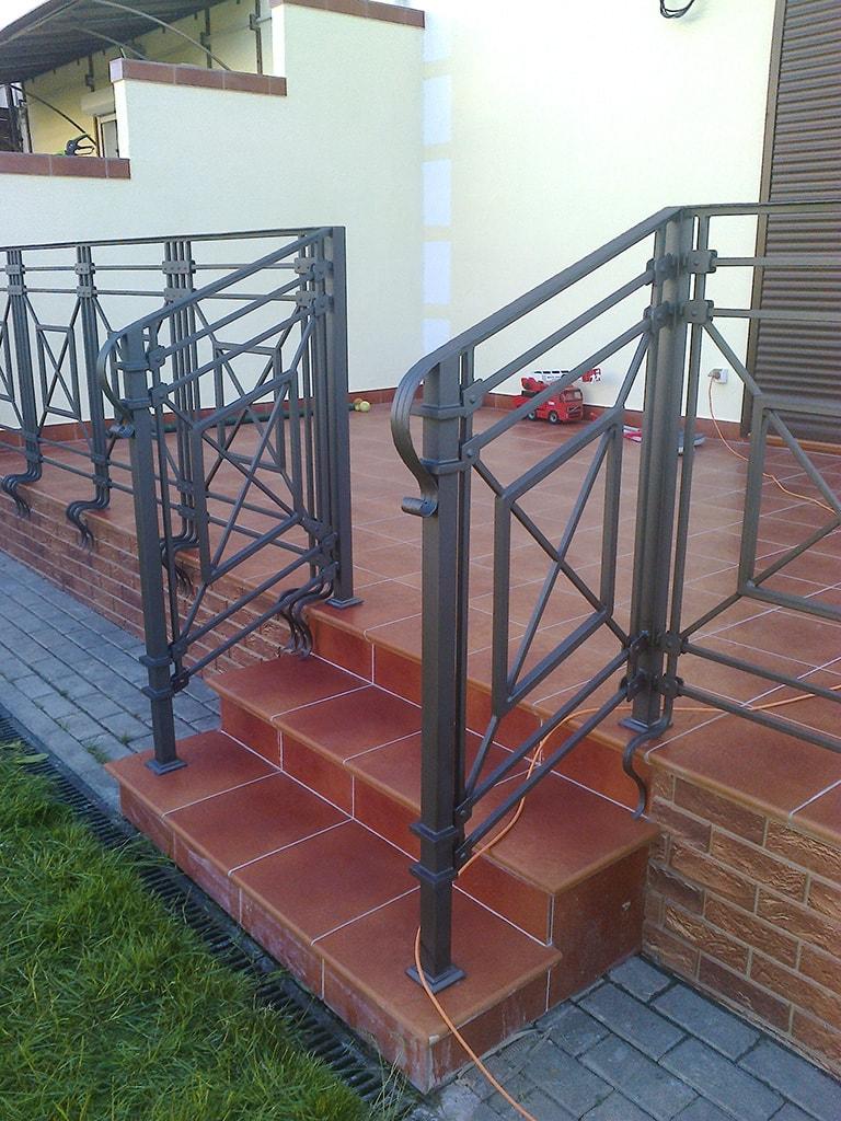 кованые ограждения балконов цена