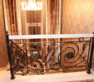 элитные кованые радиальные лестницы в доме