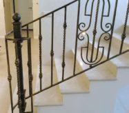 кованые перила лестниц в москве