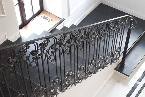 Кованные лестницы для дома