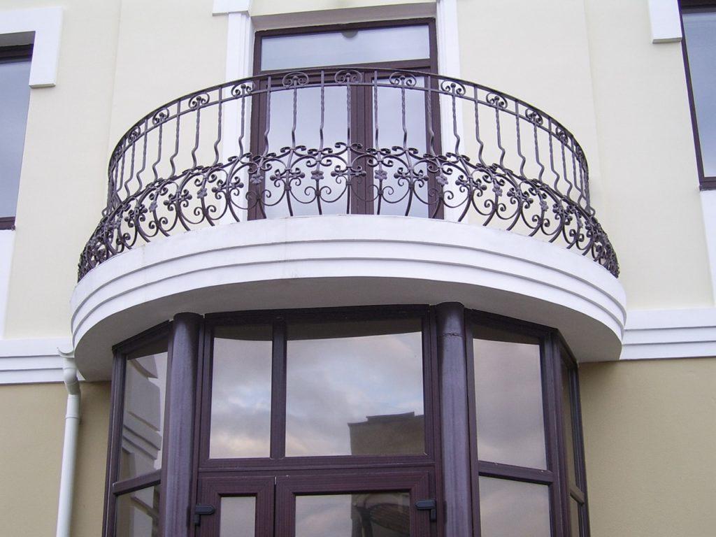 готовые секции кованые для балкона