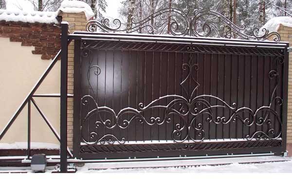 кованые ворота откатные с электроприводом