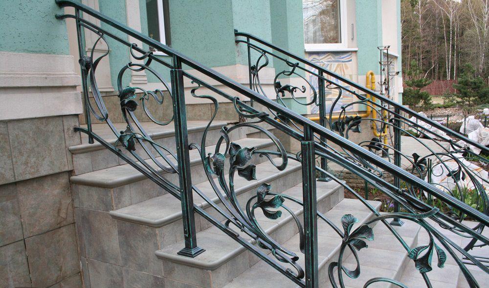 кованые перила купить в Москве