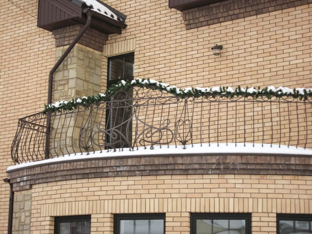 Кованые перила на балкон в Москве