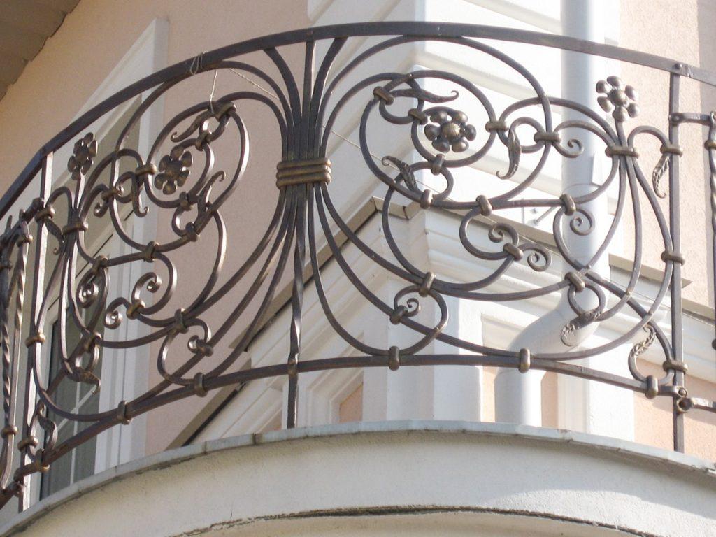 Кованые перила на балкон купить в Москве