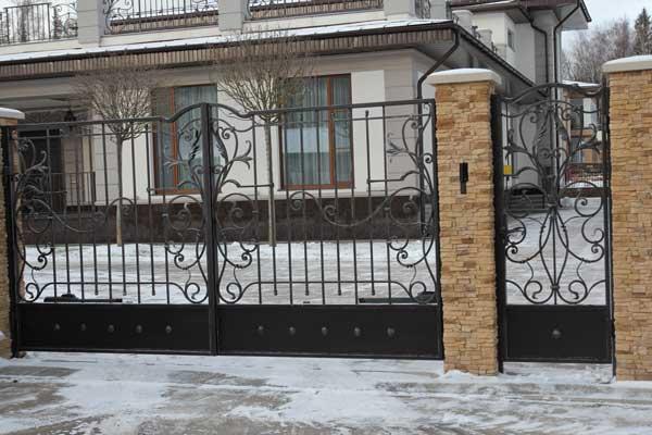 Кованые ворота для дачи заказать