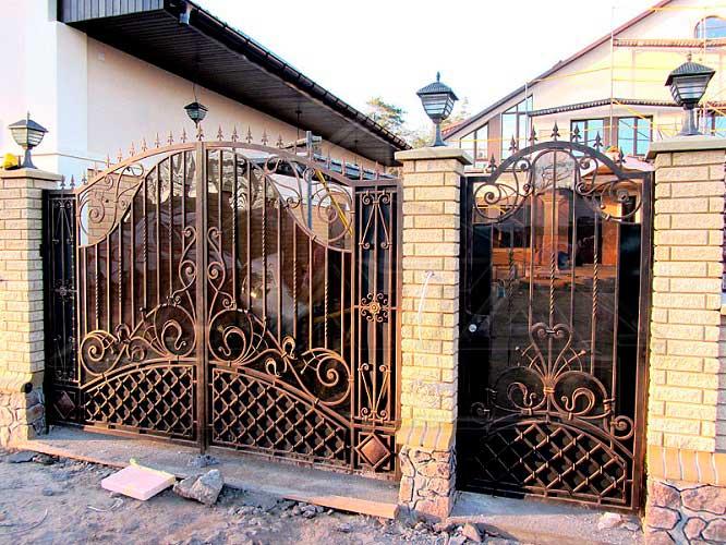 Ворота с калиткой на заказ