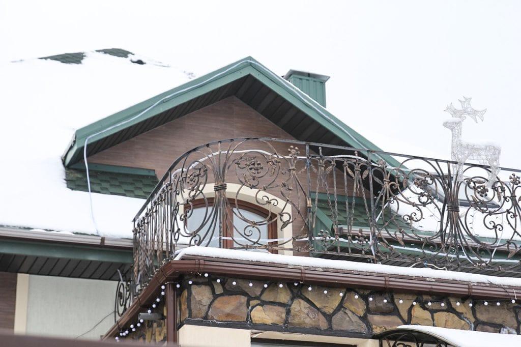 Кованые балконные секции купить